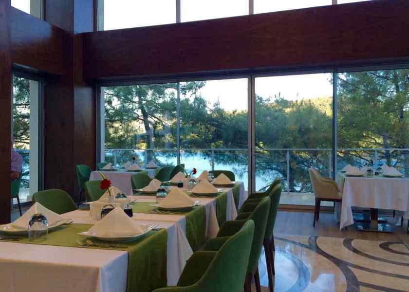 Wem es im Hauptrestaurant zu voll ist, reserviert in einem der A la Carte Restaurants. Hier das Italienische Restaurant.