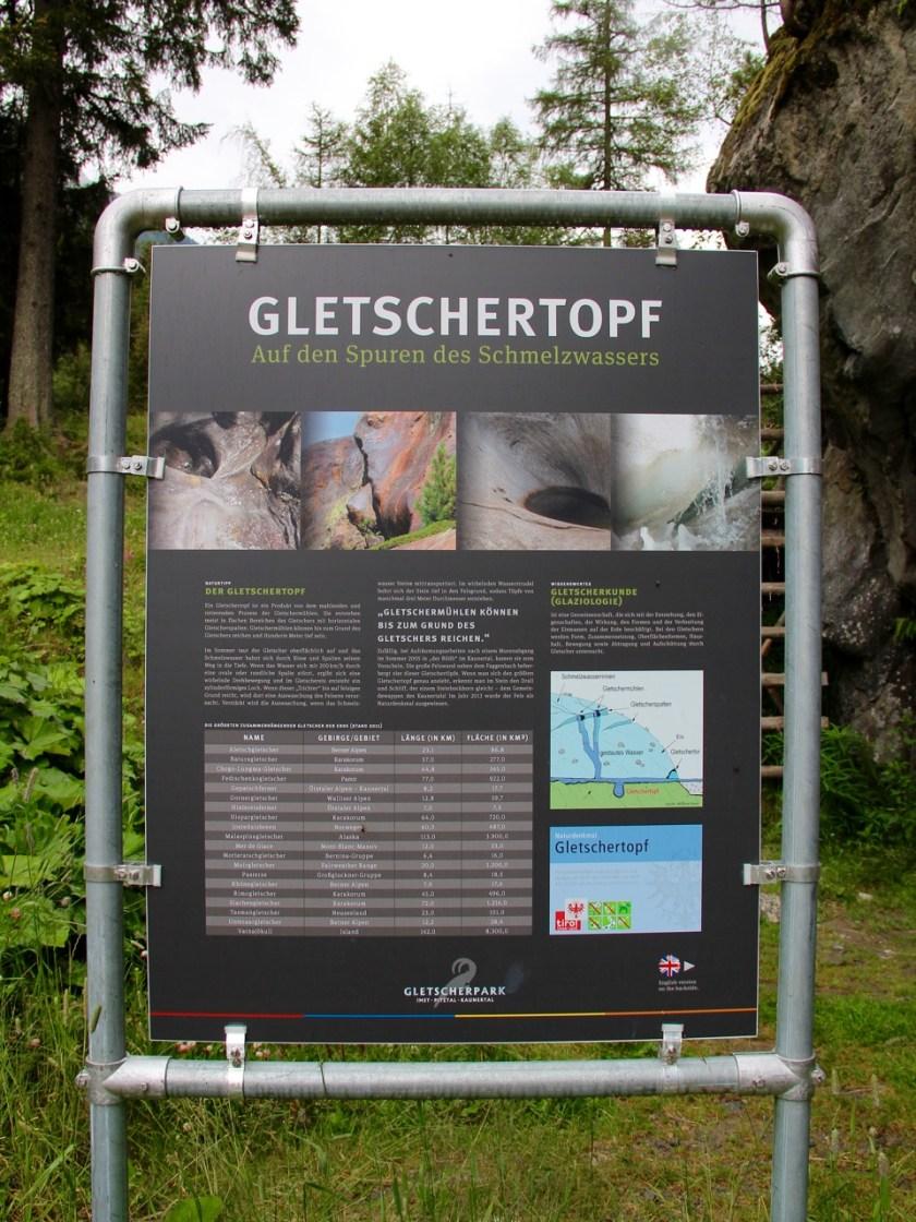 Tirol barrierefrei: Die Kaunertaler Gletscherstraße bietet verschiedene Stationen mit interessanten Dingen zum Entdecken. www.berlinfreckles.de