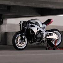 Honda CBR 1000 RR vira uma Street Fighter Sci Fi