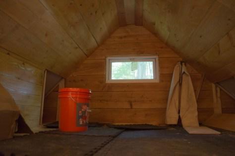 Guest cabin sleeping loft
