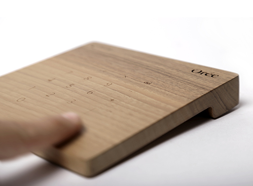 Orée multi touch wood trackpad and numerical keyboard