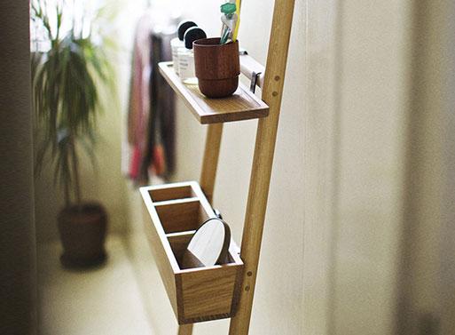Tilt Oak Ladder situ