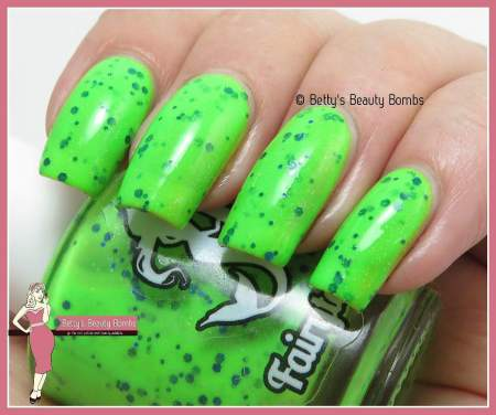 fairytale-finish-make-them-see-green-swatch