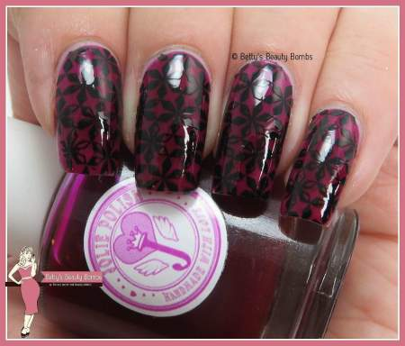 it-girl-nail-art-fashion-plate
