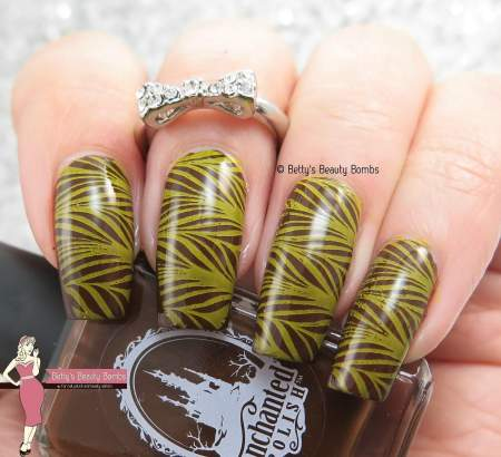 brown-and-yellow-stamped-watermarble