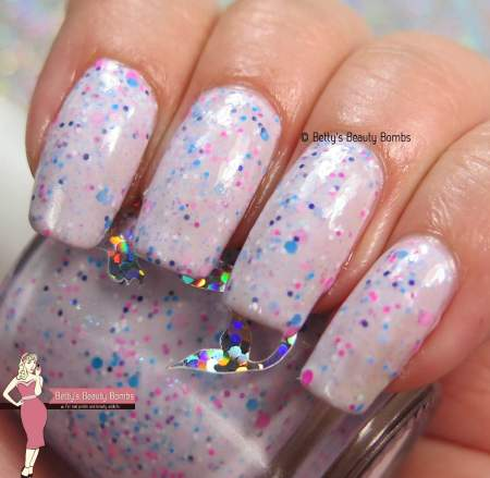 fairytale-finish-cotton-candy-blizzard-swatch