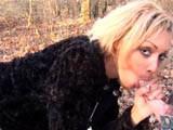 Karima, 29ans, chaude beurette algérienne pionne du lycée fait la pute dans les bois juste derrière