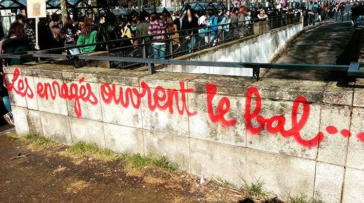 manif nddl nantes graffiti pochoir