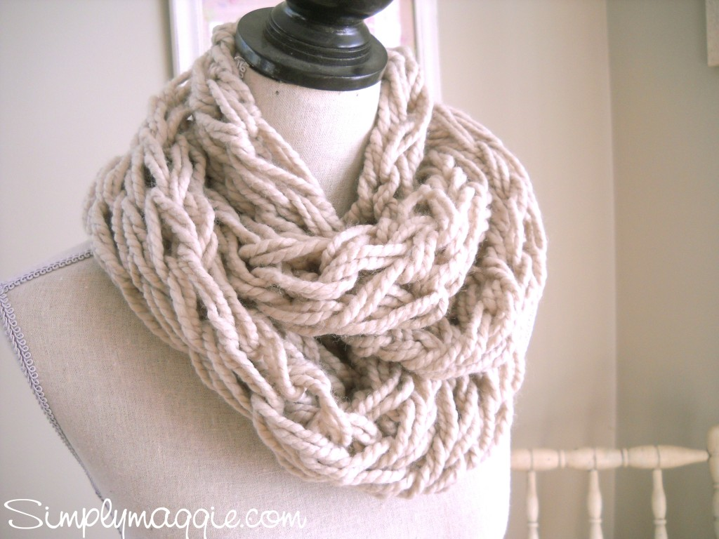 Arm Knitting Infinity Scarf : How to make easy and fun infinity scarves wear them