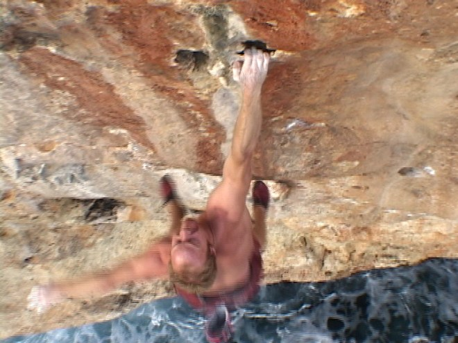 Klem Loskot deep water soloing in Spain. Screengrab from Dosage Vol. II.