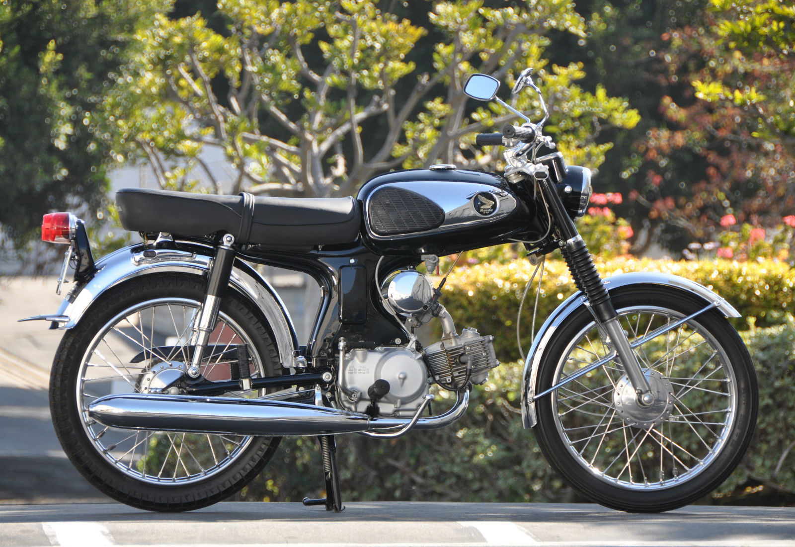 nicest i 39 ve seen 1968 honda s90 bike urious. Black Bedroom Furniture Sets. Home Design Ideas