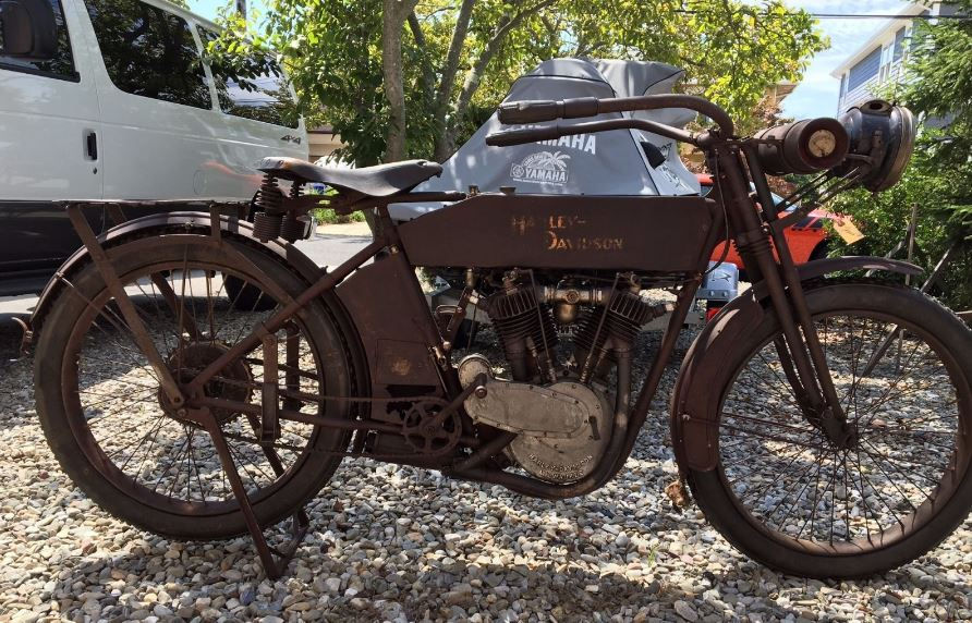 Stuck Motor - 1913 Harley-Davidson Model 9E