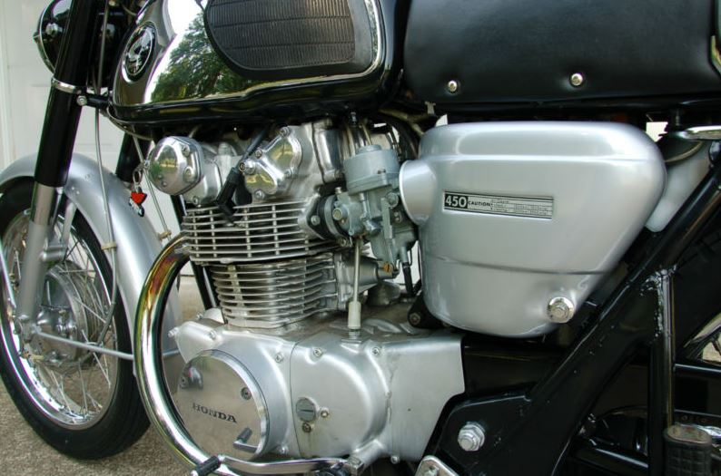 Honda CB450 Super Sport - Engine