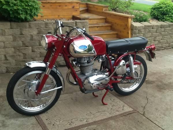 Restored - 1968 Wards Riverside Benelli 350