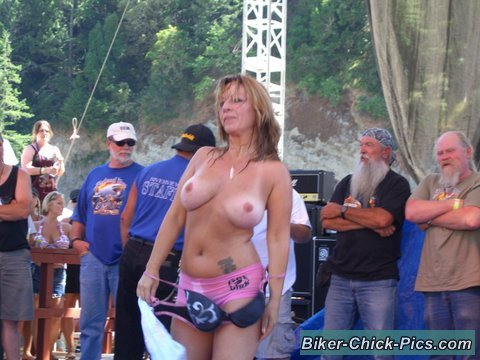 biker chicks flashing