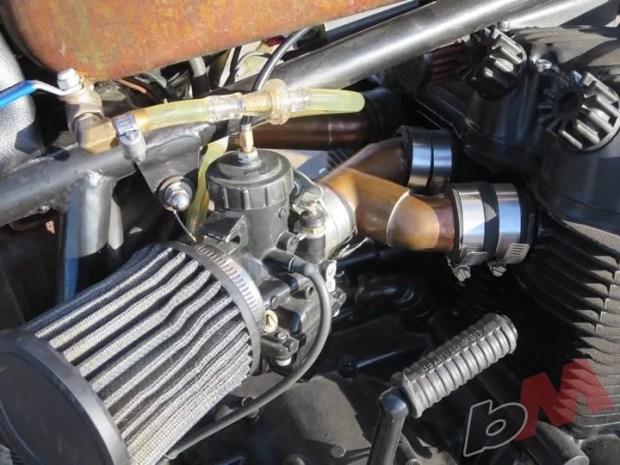Honda CB750 Bobber Carbs