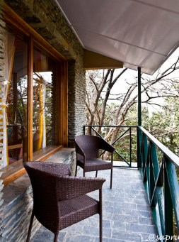 Nandaghunti room's balcony. Merges into the forest.