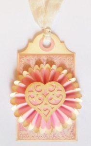 swirly heart tag