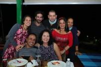 Group photo at final dinner celebration (photo by Ernesto Reyes)