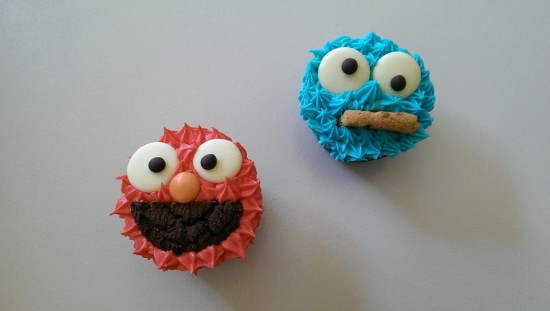 Sesame Street Birthday Party cookie monster cupcakes, elmo cupcake