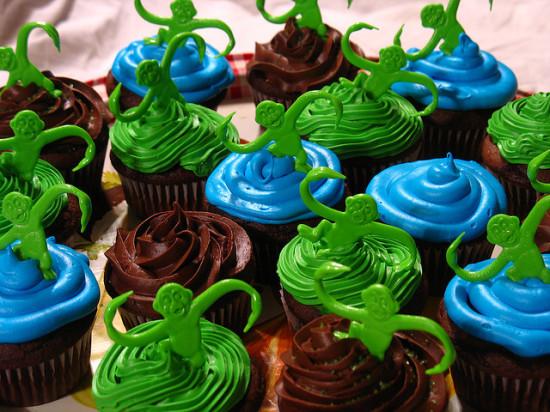 monkey cupcakes by nikoretro