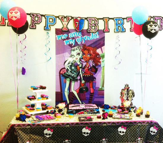 monster high party table