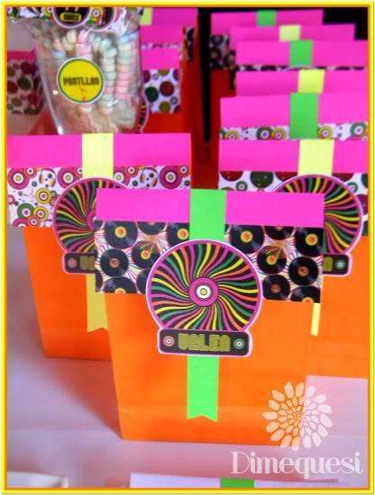 neon-color-party-favor-bags
