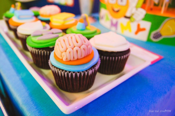 Mad-Science-Party-brain-cupcake