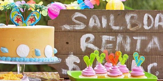 Pool Party Food Ideas For Teenagers cupcakes from an instagram emoji themed teen birthday party via karas party ideas the place Summer Splash Party