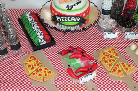 pizza-party-banner-dessert-table
