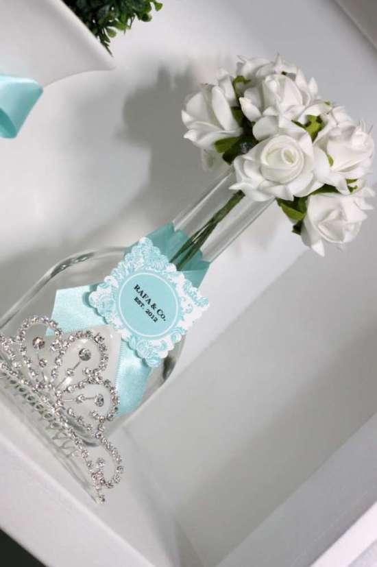 breakfast-at-tiffanys-birthday-party white flower tiara