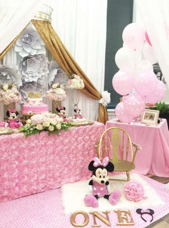 Charming minnie mouse birthday party