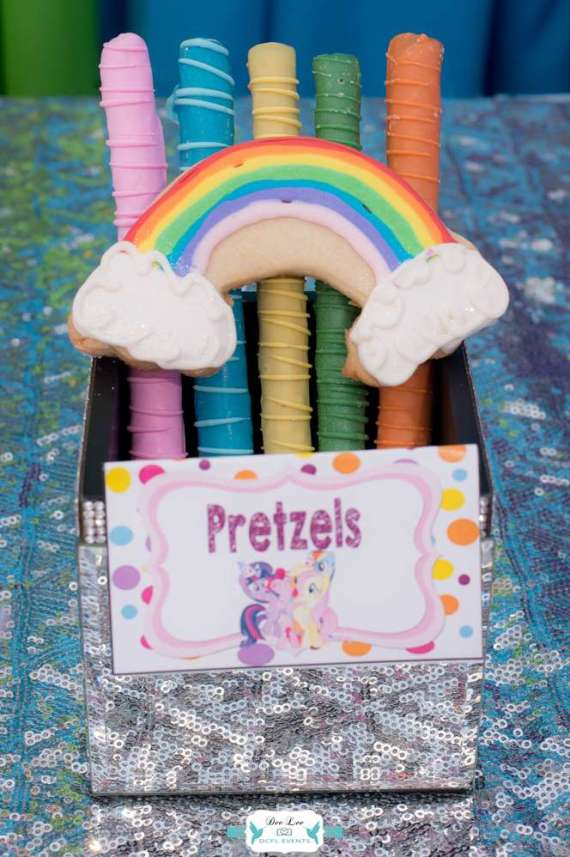 Rainbow-Dash-Adventure-Birthday-Pretzels