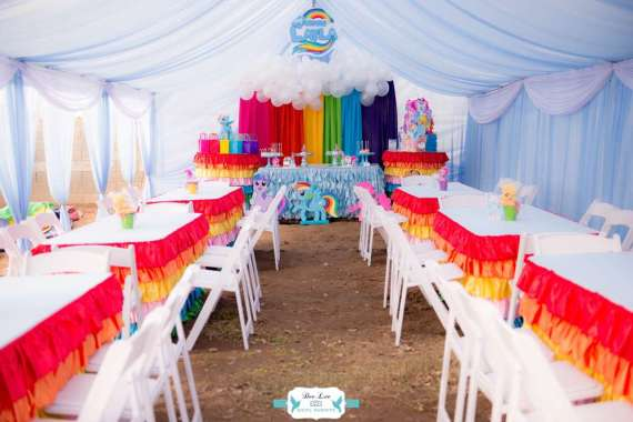 Rainbow-Dash-Adventure-Birthday-Seating