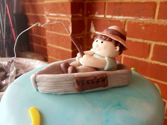 Bait-Shop-Birthday-Table-Fisherman-Topper