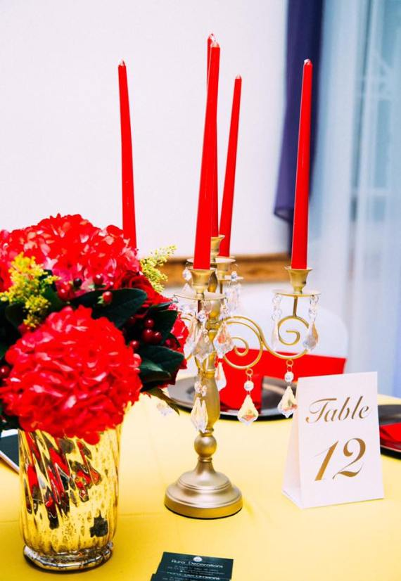 Golden-Beauty-And-The-Beast-Birthday-Guest-Table
