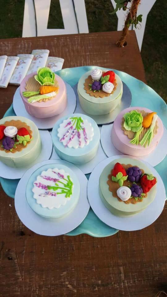Whimsical-Peter-Rabbit-1st-Birthday-Cakes