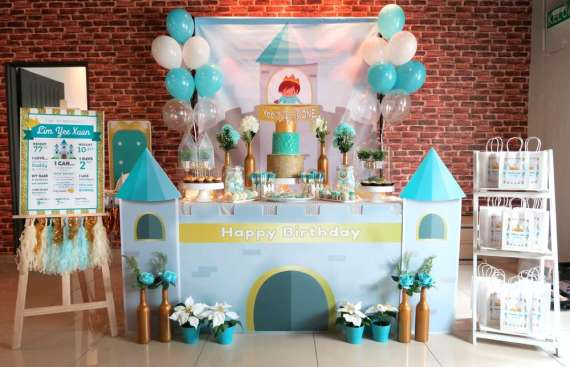 Royal-Tiffany-Inspired-Blue-And-Gold-Birthday-Dessert-Table