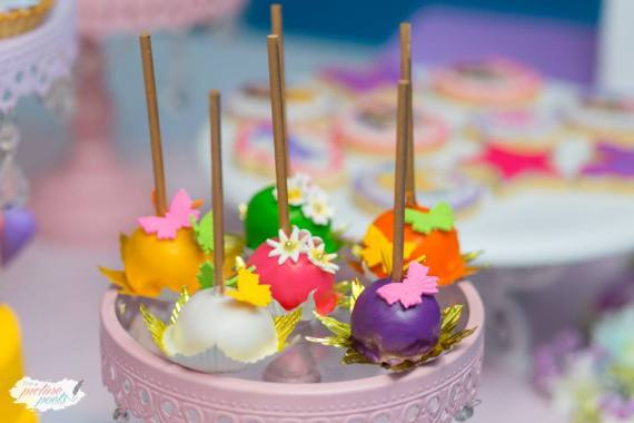Modern-Lego-Friends-Birthday-Cakepops