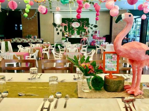 Tropical-Safari-Flamingo -Party-Guest-Seating