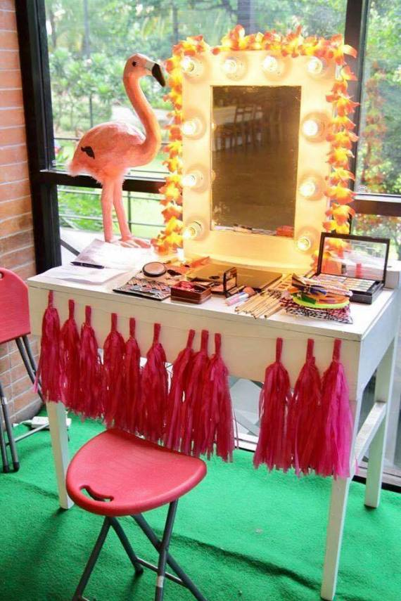 Tropical-Safari-Flamingo -Party-Makeup-Table
