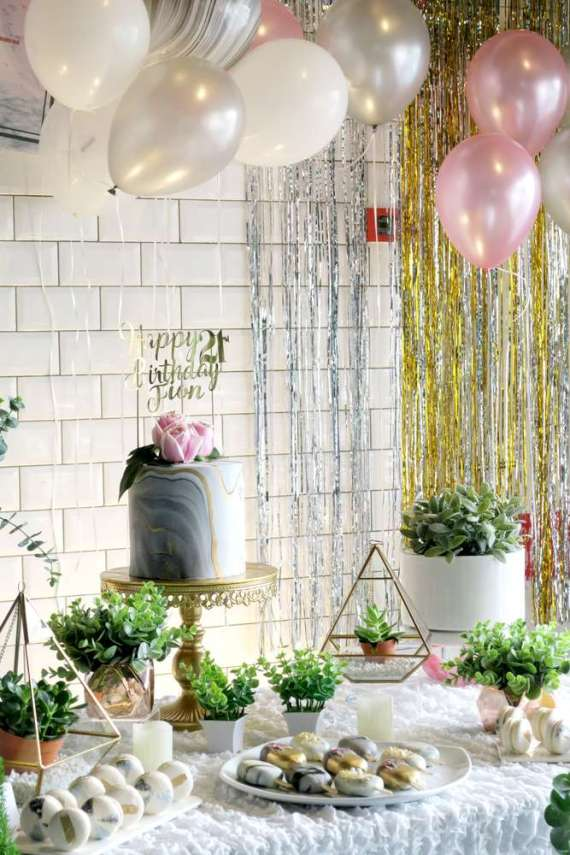 Whimsical-Marble-Birthday-Party-Shimmering-Decorations
