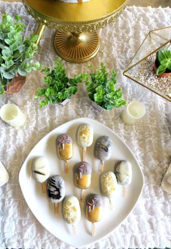 Whimsical-Marble-Birthday-Party-Treats