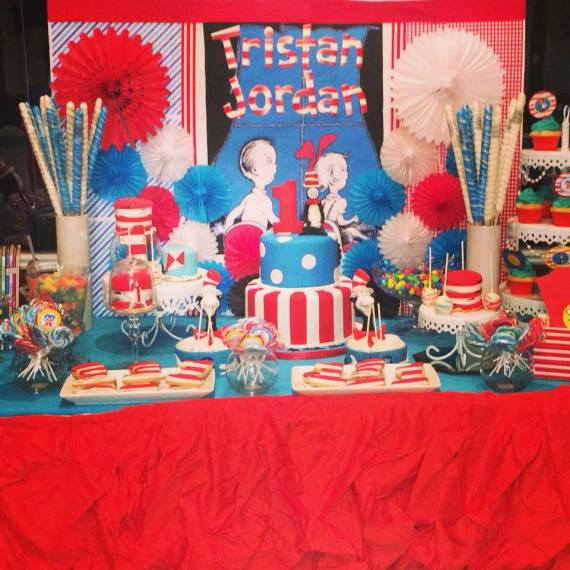 Dr.-Seuss-Birthday-Party-Dessert-Table
