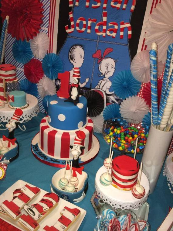 Dr.-Seuss-Birthday-Party-Desserts