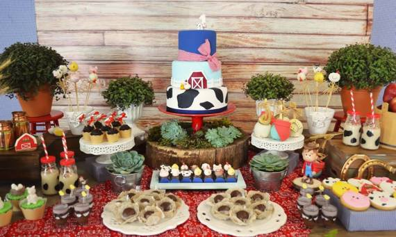Farm-Adventure-Birthday-Party-Treat-Table