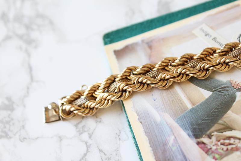 Ensemble: Chunky Vintage Gold Bracelet