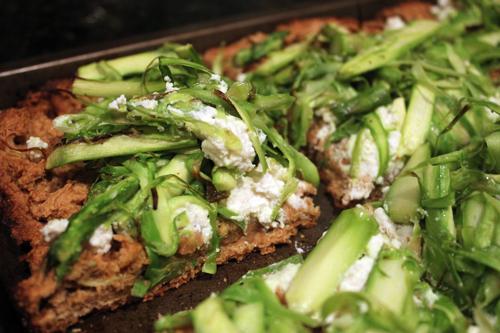 130421_asparagus pizza 5
