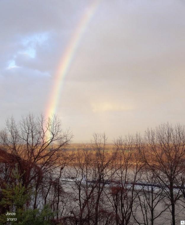 Rainbow barge