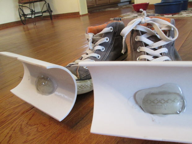 Snow shovel shoes